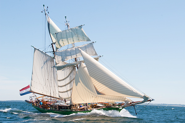 Tall Ship Avatar under sail (photo: Juergen Birkenstock)